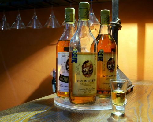 rum alcohol drink
