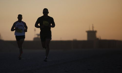runners silhouette athletes