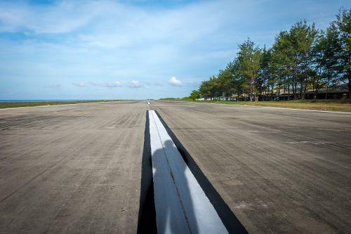 runway airfield airport