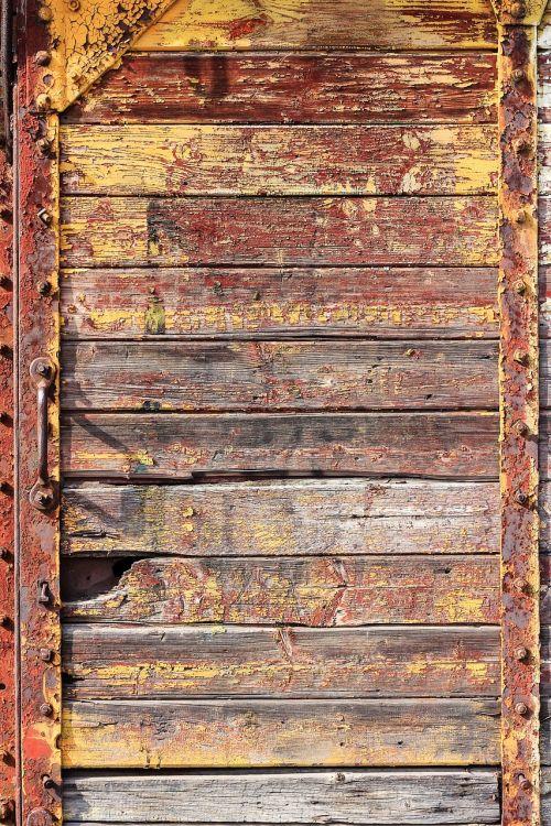 rust door wagon