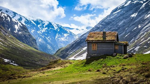rustic cabin mountains