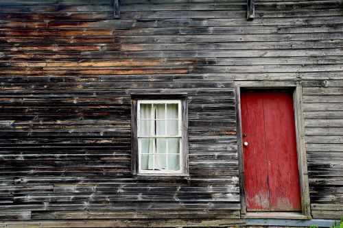 rustic cabin rural cabin