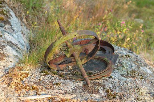 rusty debris scrap iron