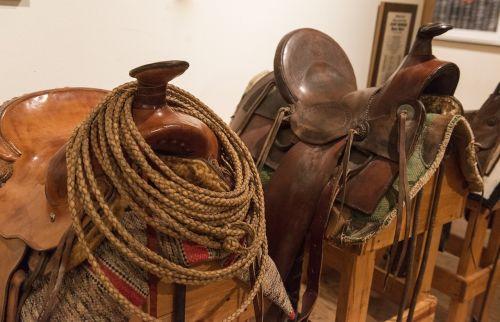 saddles western pomel