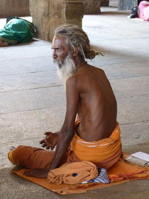 sadhu holy man hinduism