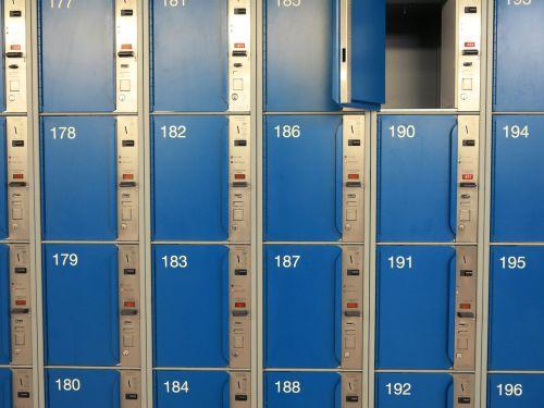 safe deposit box spints blue