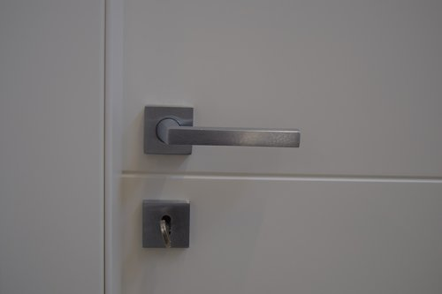 safety  door  privacy
