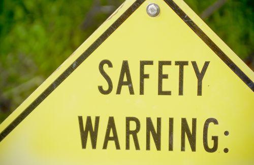saugumas, įspėjimas, atsargiai, atsargus, kruopštus, ženklas, apsaugoti, pavojus, pavojus, geltona, deimantas, parkas, lauke, atsargumo priemonė, paruošti, patarimas, patarimai, instrukcija, saugos įspėjimas