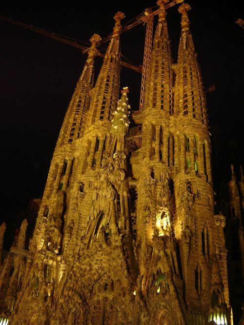 sagrada familia church night