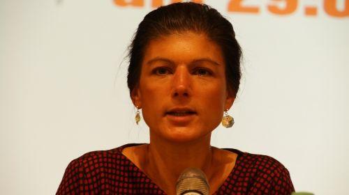 sahra wagenknecht politician she left