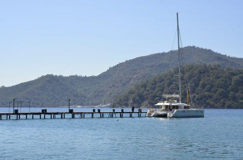 sail catamaran sun