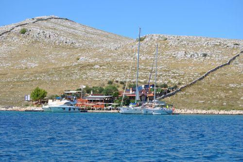 sail croatia port