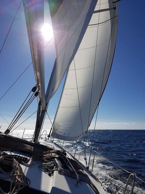 sail  sailing yacht  railing