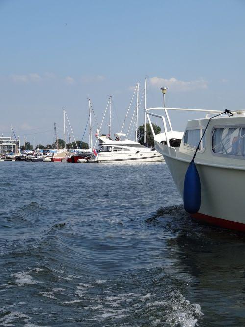 sail boating boats