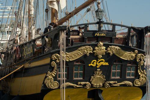 sailboat boat sails