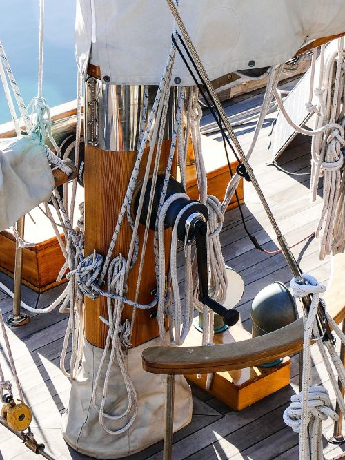 sailboat rigging rope