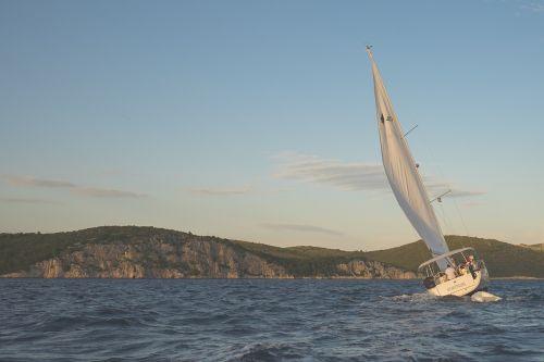 sailing sailboat windy