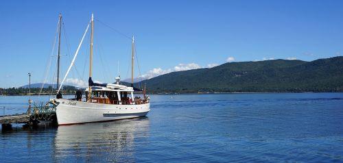 sailing boat lake sail