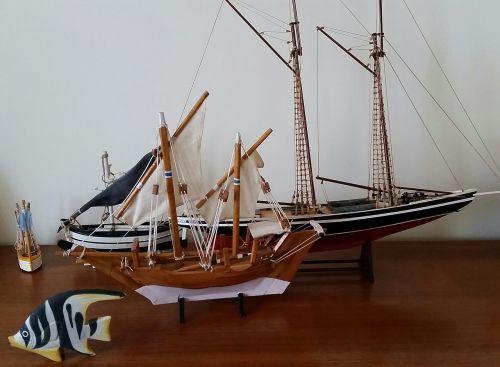 sailing oat sails sea