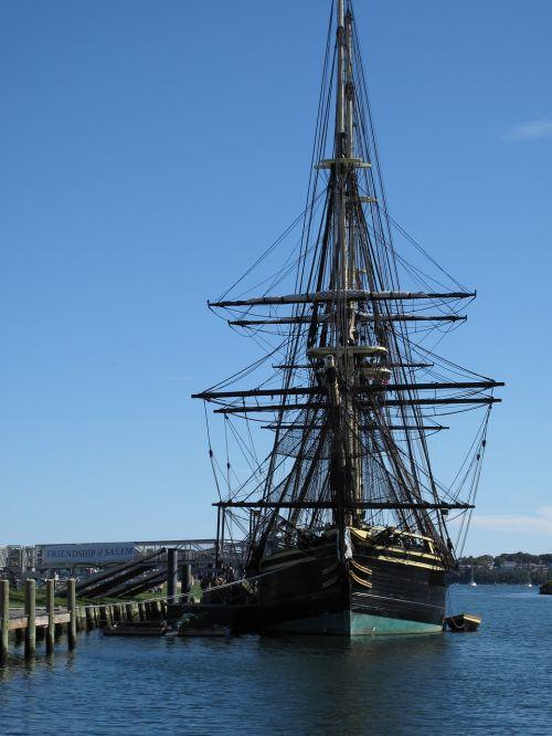 sailing ship salem massachusetts