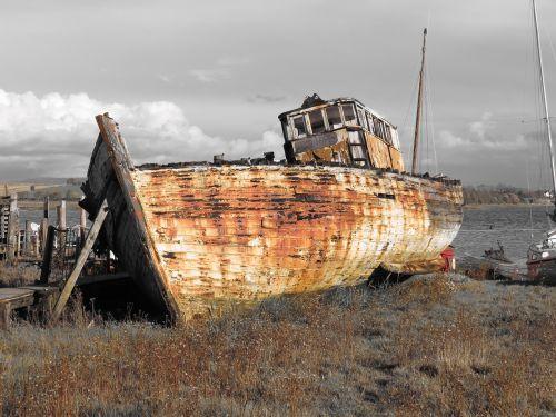 buriuotojas,nuolaužos,nuolaužos,laivo nuolaužos,skipool creek,gera viltis,Wyre,2012,blackpool,estuarija,valtis,buriavimas,suplakusi valtis,rūdys,rusvas