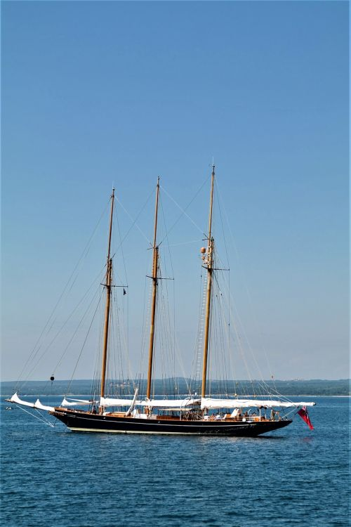 sailing vessel sea pirates