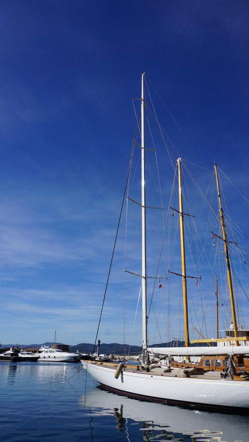 sailing vessel ship port