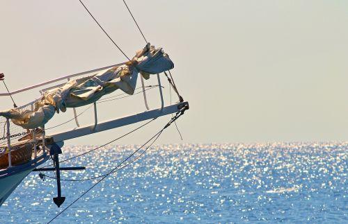 sailing vessel klüver jib boom