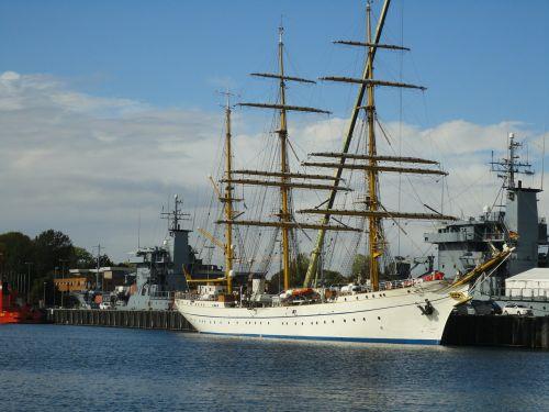 sailing vessel sail training ship gorch fock