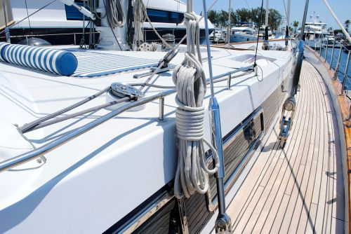 sailing yacht starboard rigging