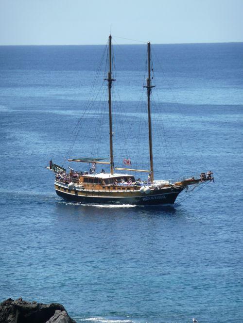 sailor boot sailing yachts