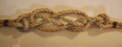 jūrininko mazgas,lynai,mazgas,virvė,pakabukas,fiksavimo,susukti lynai,kryptis,mezgimas,atšildyti,sulaikymas,lynai,rasa,mazgas nustatyti,Iš arti,Uždaryti,laivo aksesuarai,laivyba,aksesuarai,jūrų