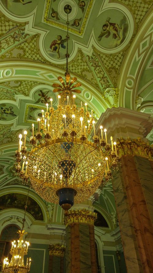 saint petersbourg cathedral chandelier