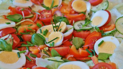 salad mixed tomato
