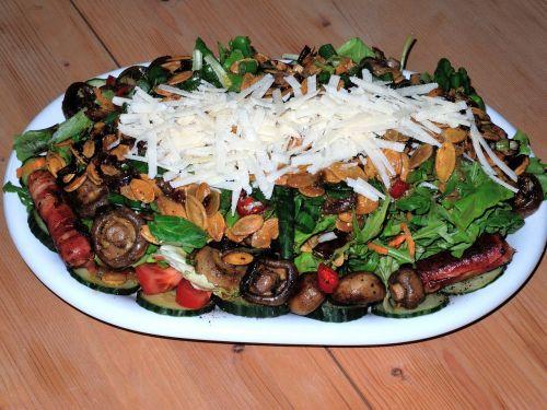 salad mushrooms rocket
