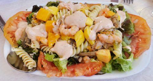salad seafood prawns