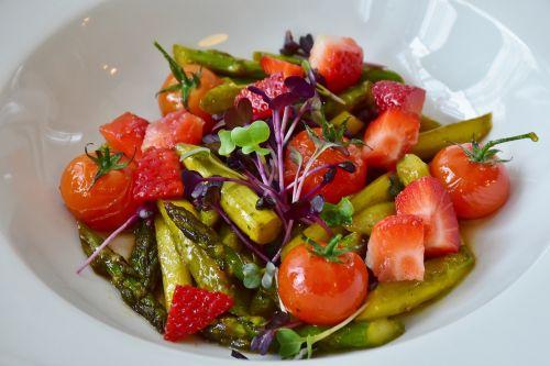 salad strawberries asparagus