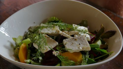 salad eat goat cheese