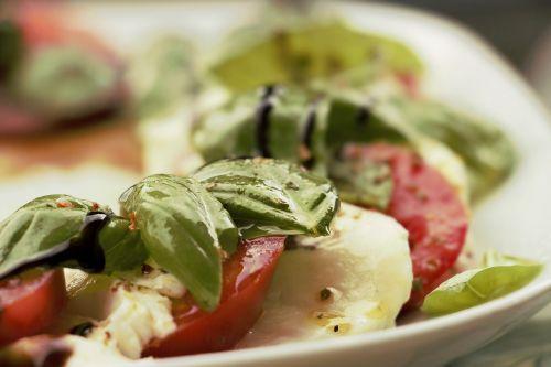 salad tomato mozzarella mozzarella