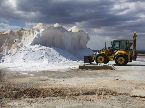 saline tractor salt