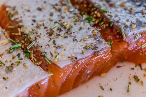 salmon raw spices