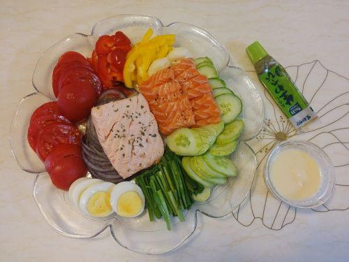 salmon salad midnight snack