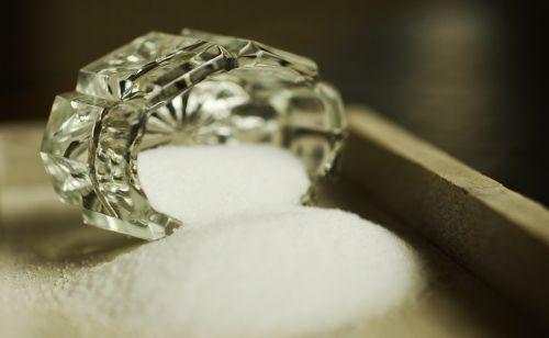 salt crystal salt shaker