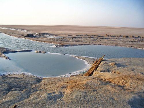 salt lake tunisia sand