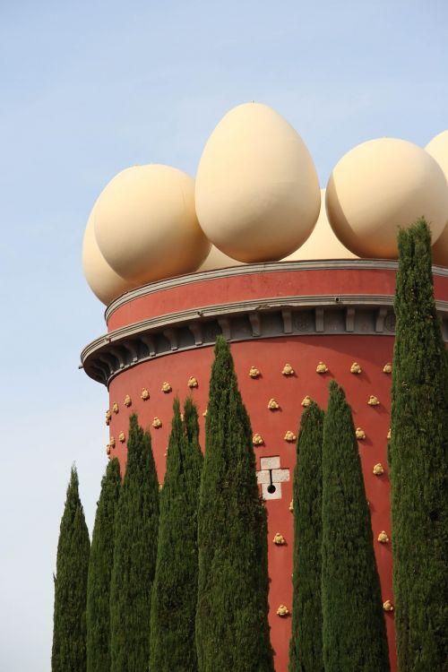 salvador dali,dali,Dalio muziejus,figuerens,Ispanija,catalunya,Girona,costa brava,sirrealis,kiaušiniai
