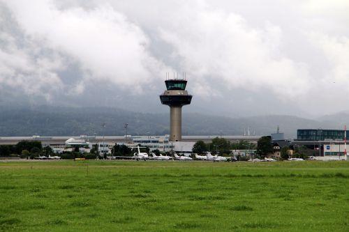 salzburg airport aviation