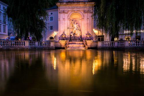 salzburg fountain austria