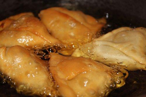 samosa  fry  oil