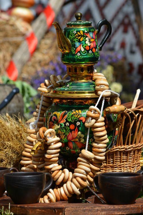 samovar tableful food