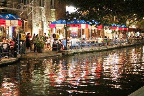 san antonio upės pakrantė,riverwalk,texas,san antonio,restoranai,takas